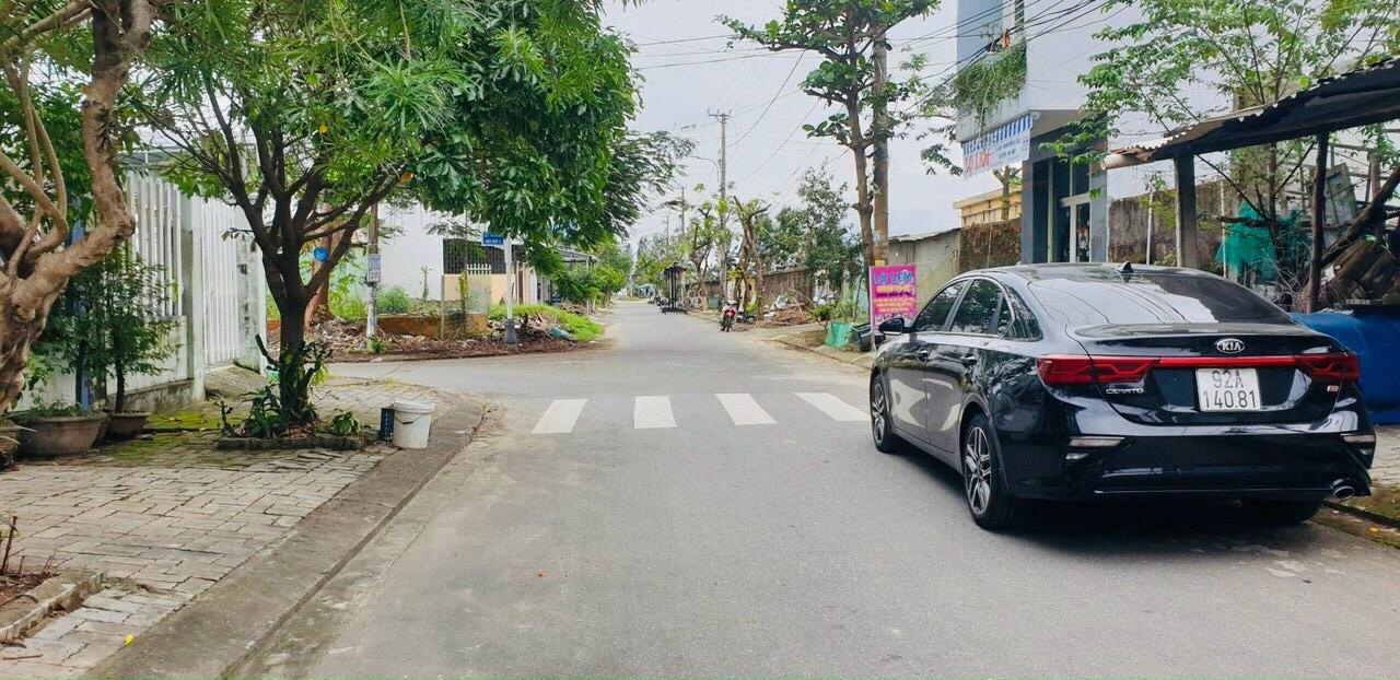 hạ tầng đường xá nhà Xuân Thiều 11