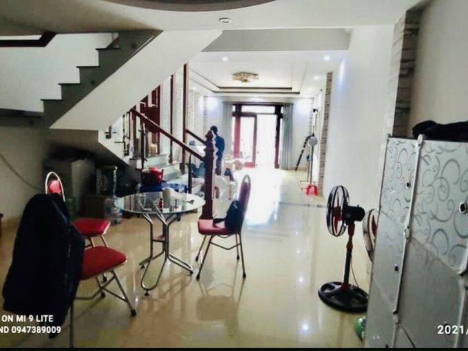 hình ảnh phòng khách nhà nam Nguyễn Tri Phương