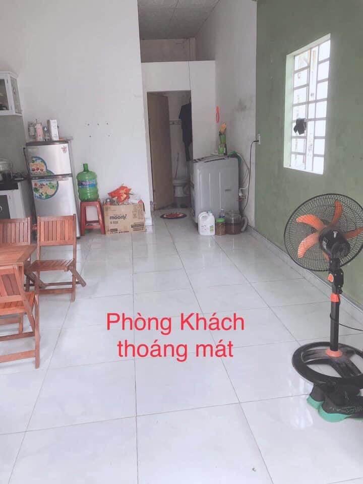phòng khách nhà kiệt Hoàng Văn Thái