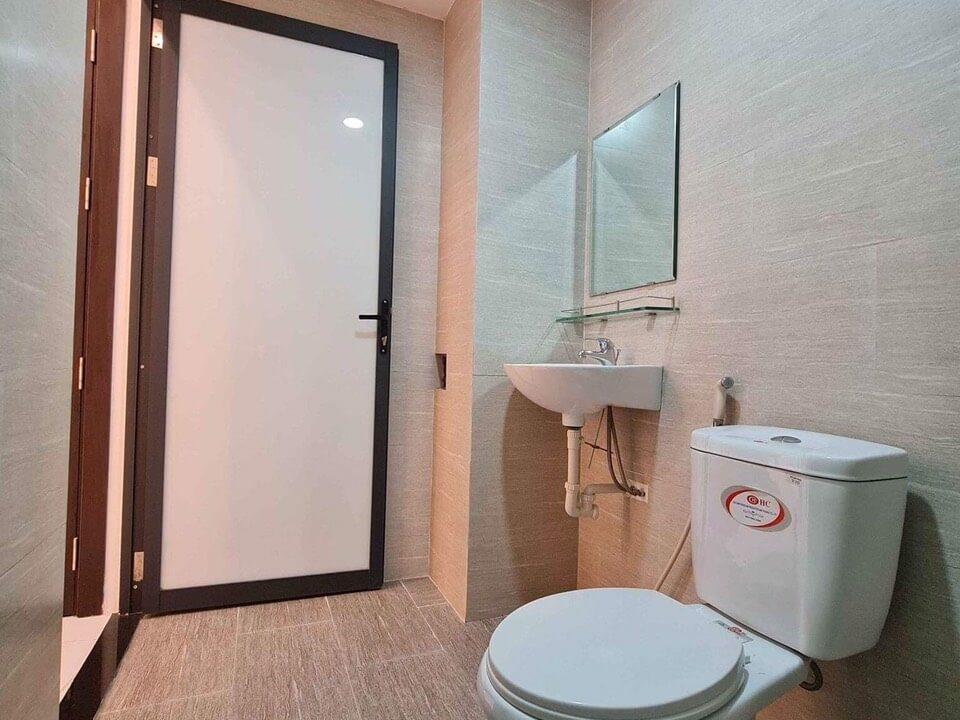 phòng vệ sinh nhà kiệt Trưng Nữ Vương