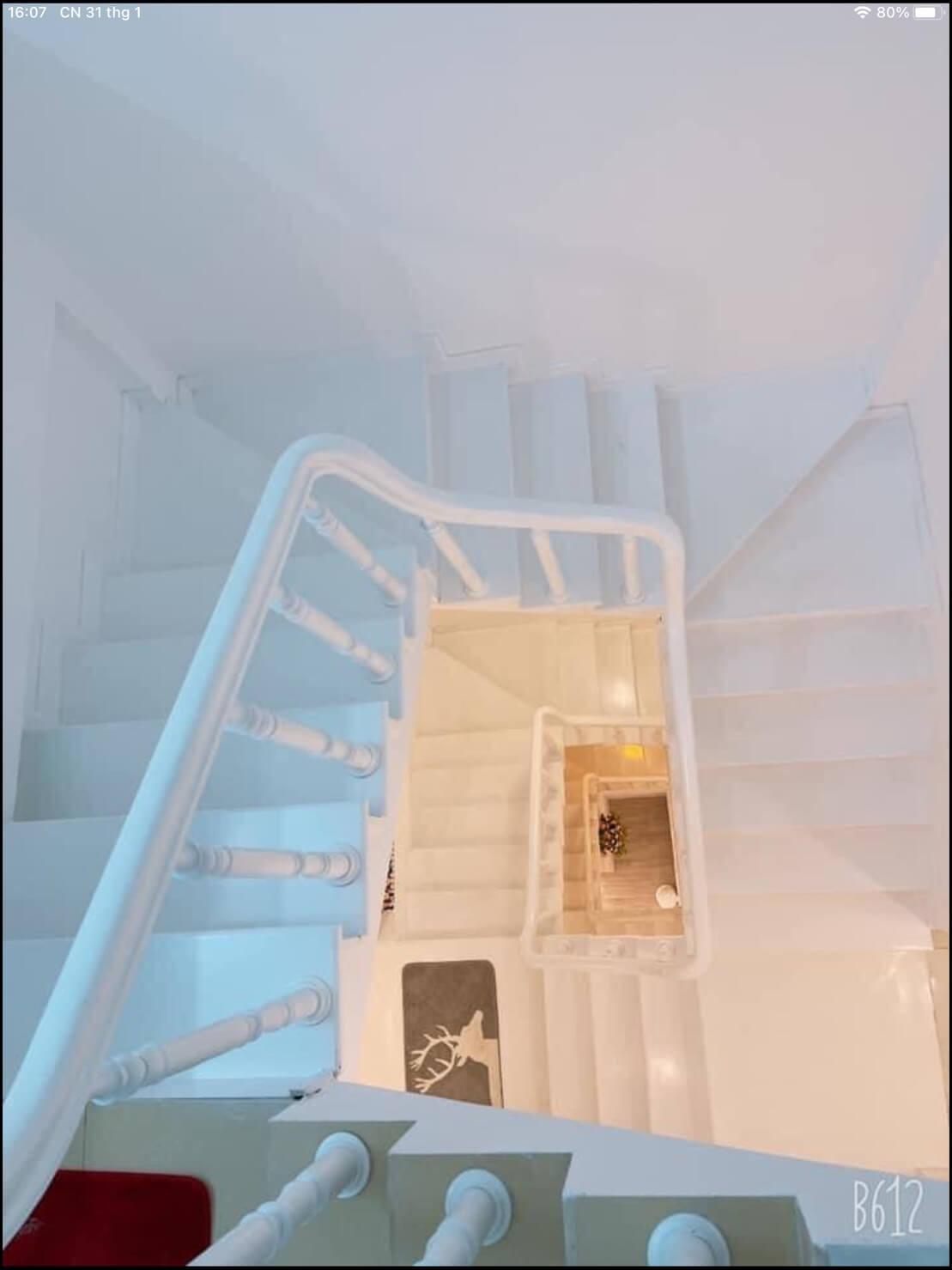 kiến trúc cầu thang nhà Hàn Mạc Tử