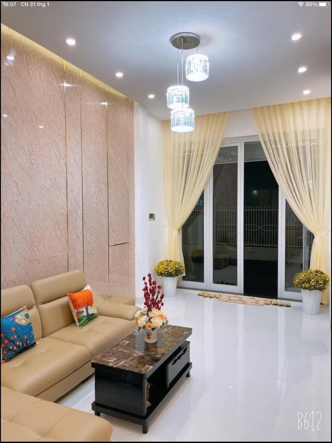 view phòng khách nhà Hàn Mạc Tử
